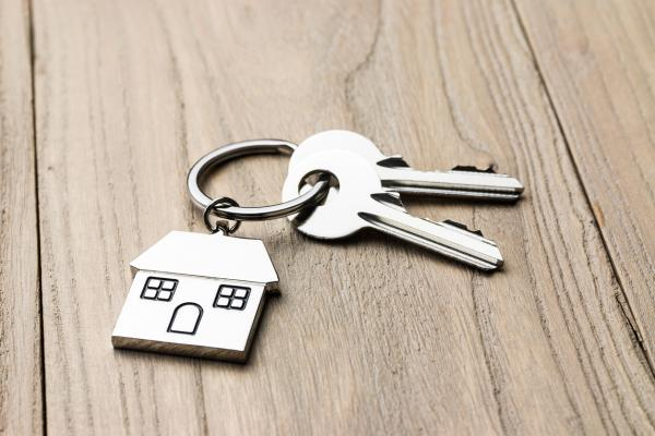 Cheap House Moves and Conveyancing: Why Cheapest Is Probably Not Best
