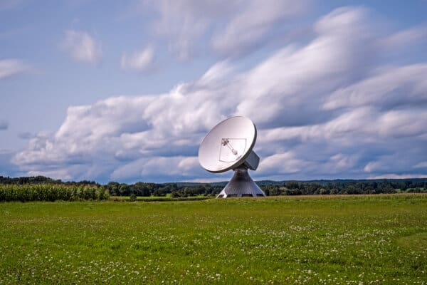 Operator granted unlimited rights to install, upgrade and share Electronic apparatus on the property of the landowners